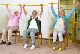 Encouraging Seniors to Stretch Their Bodies